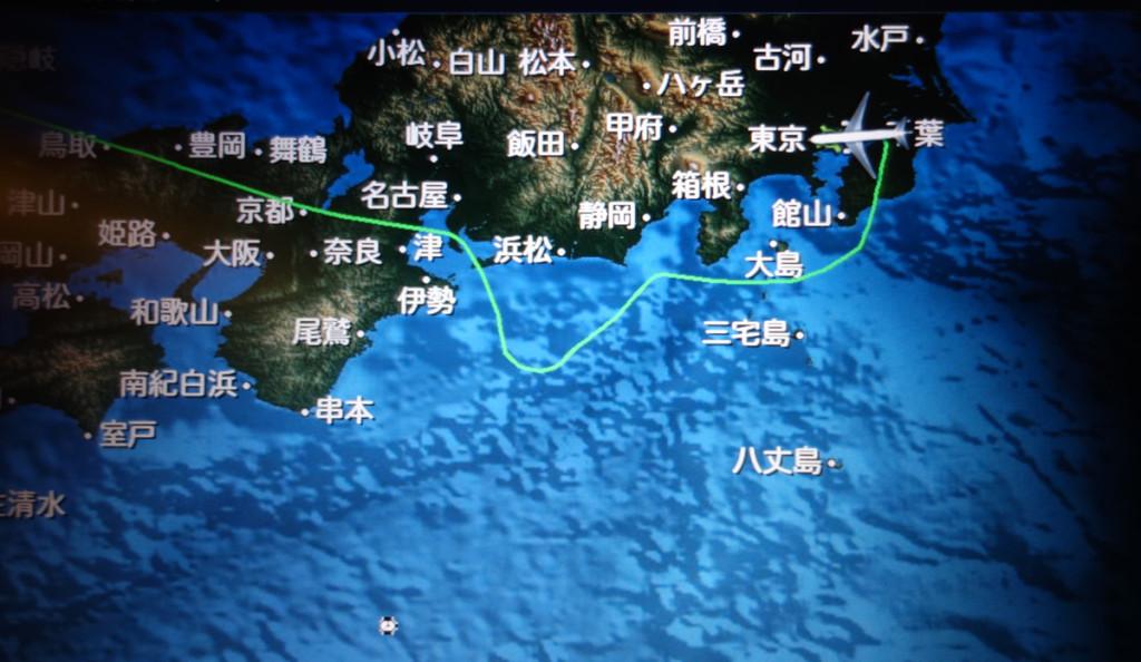 JL22便の様子。KOWAあたりから太平洋沖に。