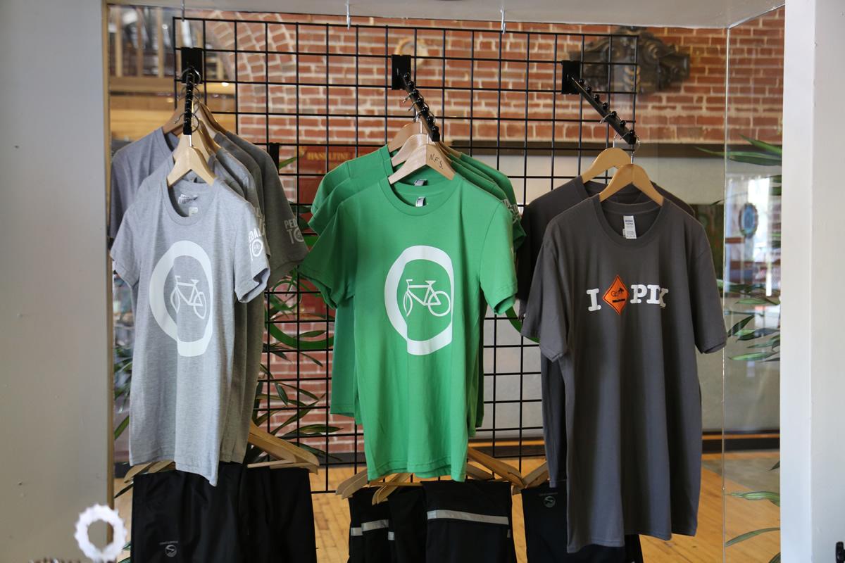 PDXはポートランドの愛称。この自転車Tシャツをきて走るのもよい。